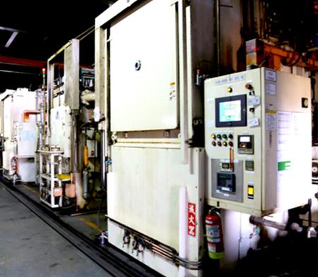 Vacuum carburizing furnace